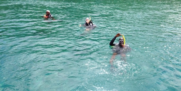 """OK"" signal, Mary, Theresa & Dwight, diving in St. Lucia (2017)"