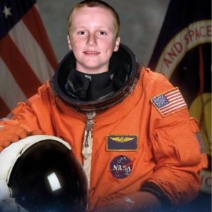 Astronaut Ronan 12-2017
