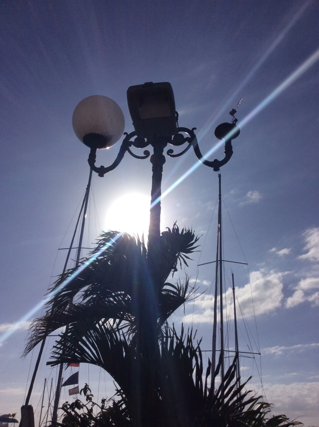 LED floodlight - temporary light fixture fix, Marigot Bay, St. Martin (March 2018)